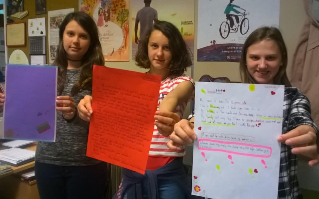 Knjižničarski krožek si je dopisoval z vrstniki iz Litve