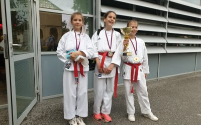 Imamo kar dve novi mladi državni prvakinji v karateju